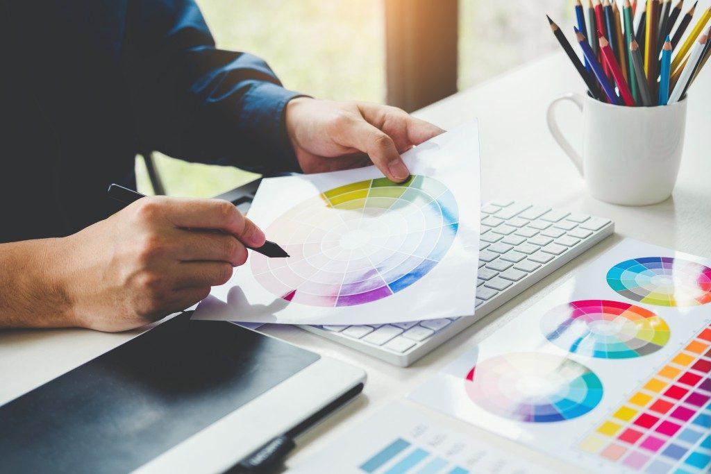graphic designer chosing color